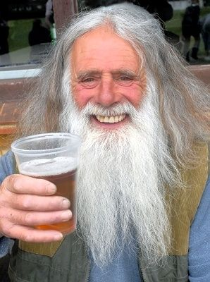 C_67_article_2115348_body_articleblock_0_bodyimage.jpg (298×400)  Bazil enjoys his pint at the Twyford Beer Festival  http://www.getreading.co.uk/news/s/2115348_revellers_drink_the_twyford_beer_festival_dry