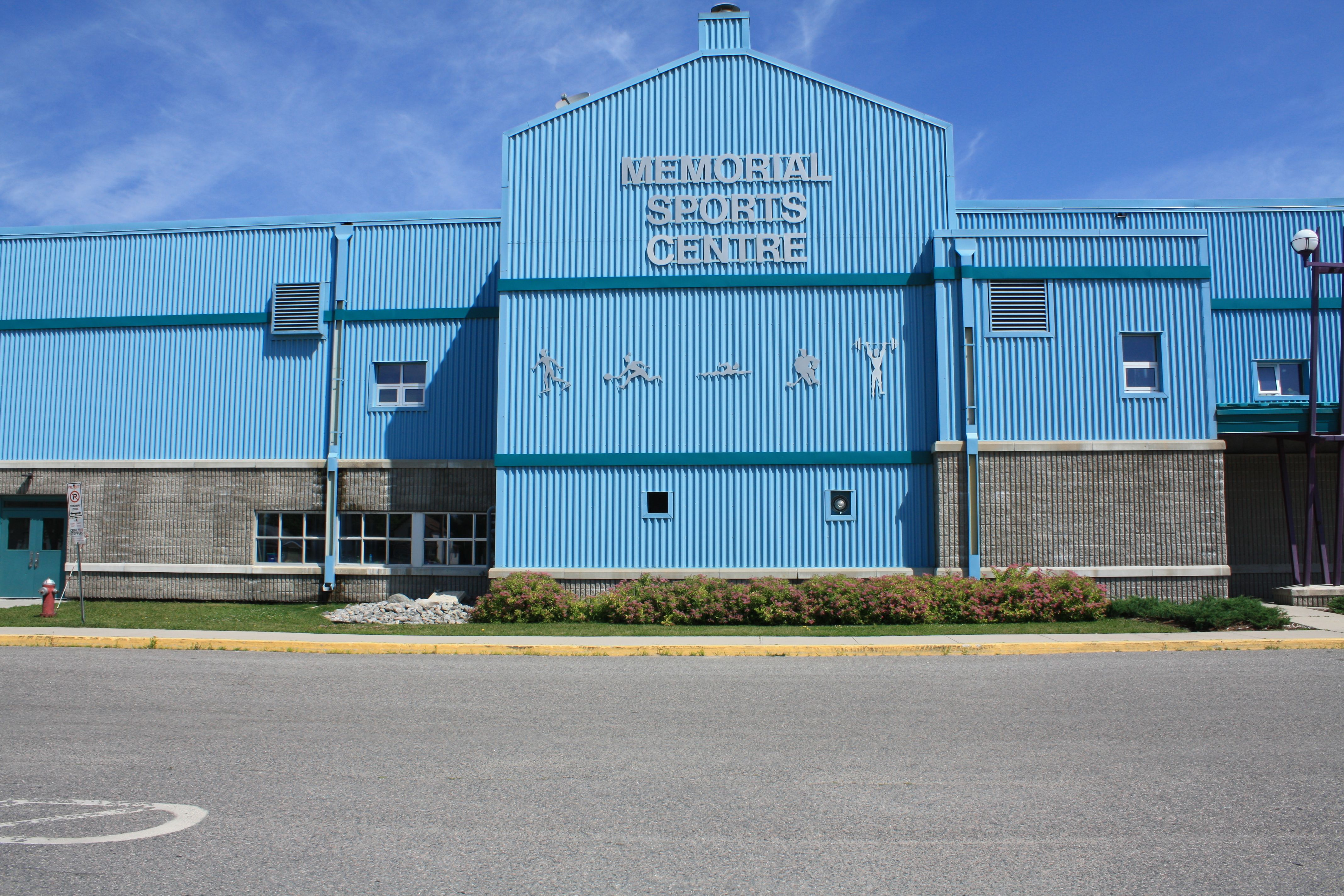 The beautiful memorial sports centre here in fort frances - White oaks swimming pool london ontario ...