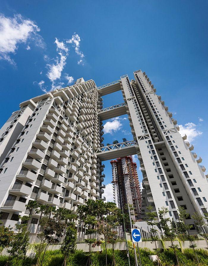 Луксузен станбен комплекс во Сингапур како кула од лего коцки