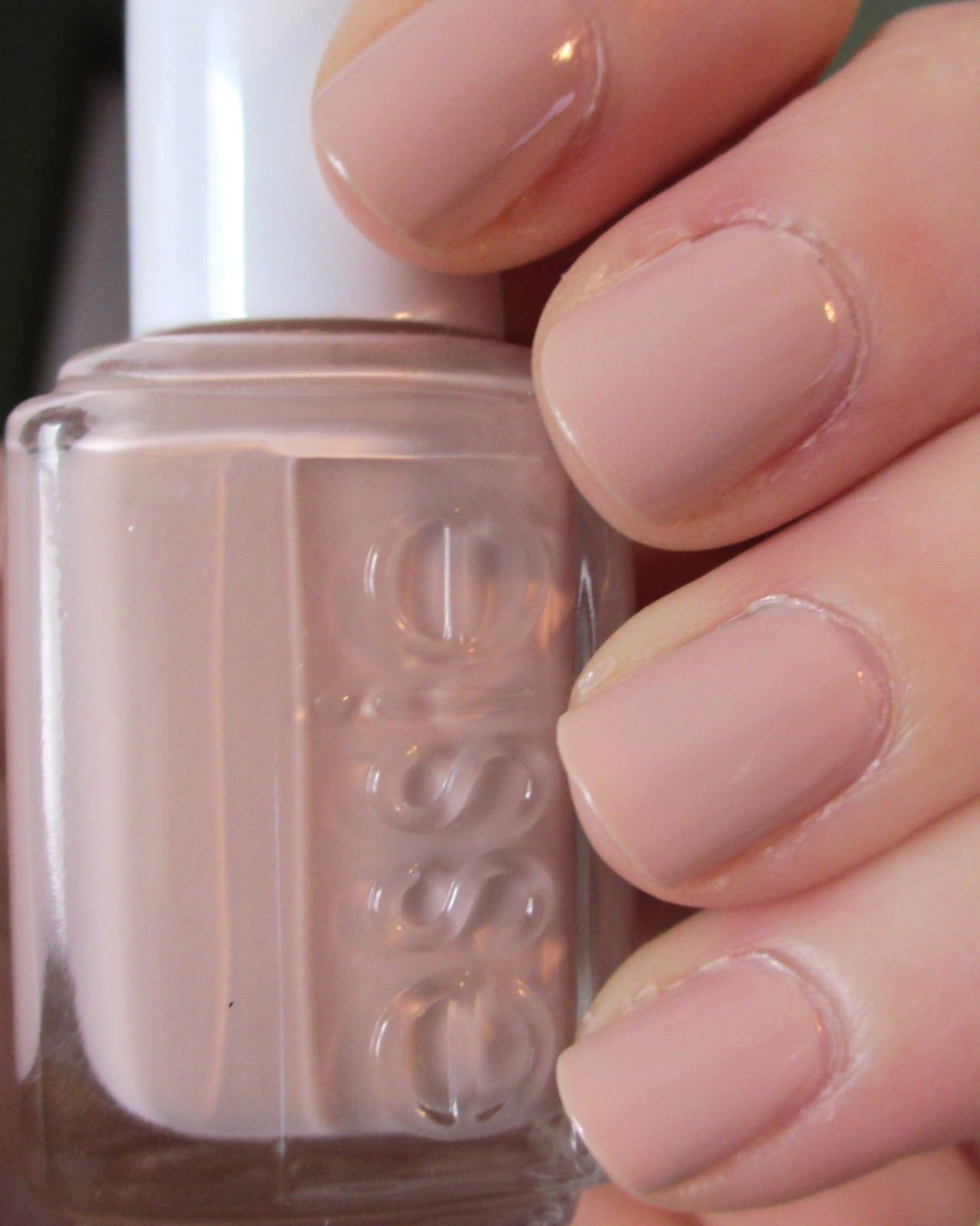 on fingers and toes in the delivery room :: essie nail polish ...