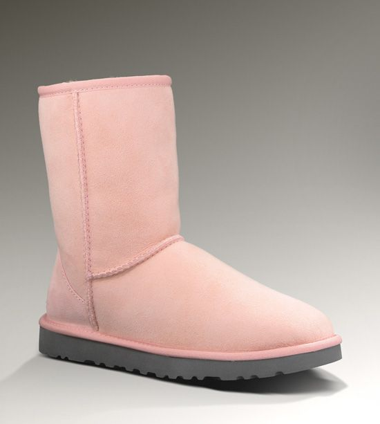 ... classic short pink uggs my new obsession. please santa please