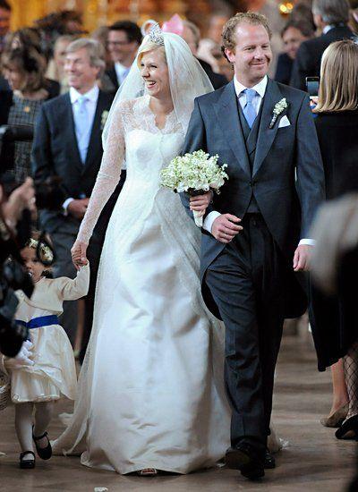 12. Mai 2012: Prinzessin Felipa von Bayern und Christian Dienst heiraten in Bayern. Das Brautkleid entwarf die Münchner Designerin Natascha Müllerschön.