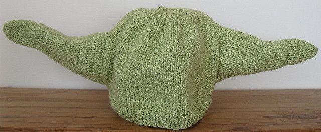 Yoda Hat   Knitting patterns, Knitting, Geek crafts
