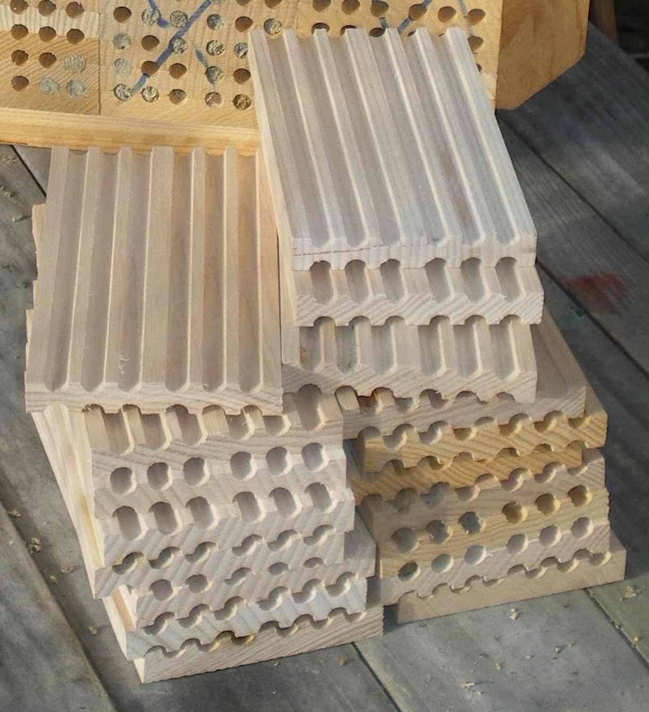 mauerbienen insektenhotels pinterest bienen garten und garten ideen. Black Bedroom Furniture Sets. Home Design Ideas