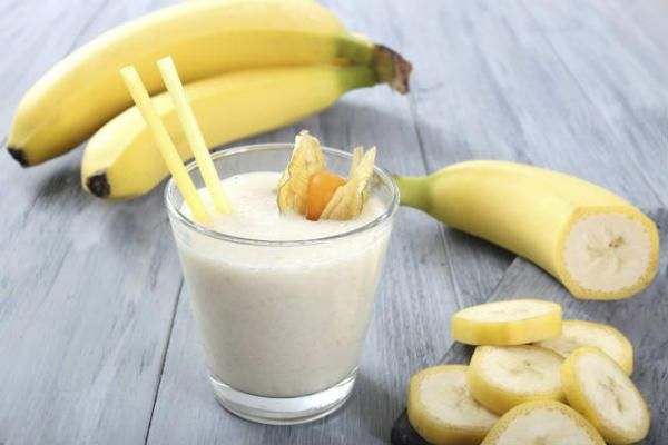5 Super Tasty Snacks For The Office All Under 100 Calories With Images Healthy Afternoon Snacks Banana Drinks Food And Drink