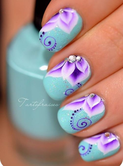 18 Amazing Flower Nail Designs | Inspired Snaps - 18 Amazing Flower Nail Designs Inspired Snaps Nails Pinterest