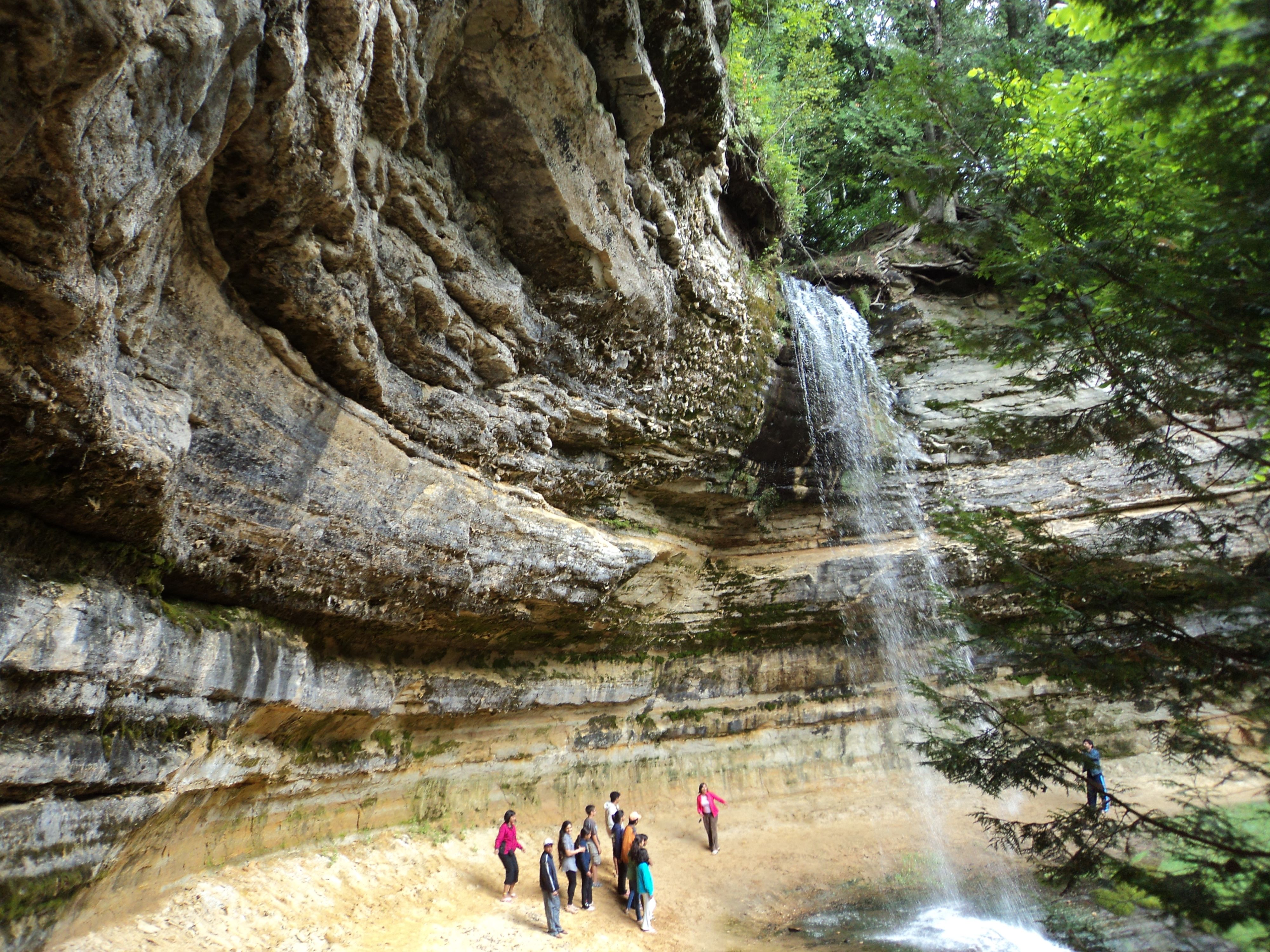 munising personals Munising is well known for its hospitality and wide variety of great hotels, motels, resorts, and cabins let us help you select the lodging that will accommodate your upper michigan vacation plans&nbsp we invite you to join us in the middle of mic.