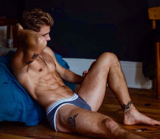 men well endowed nude