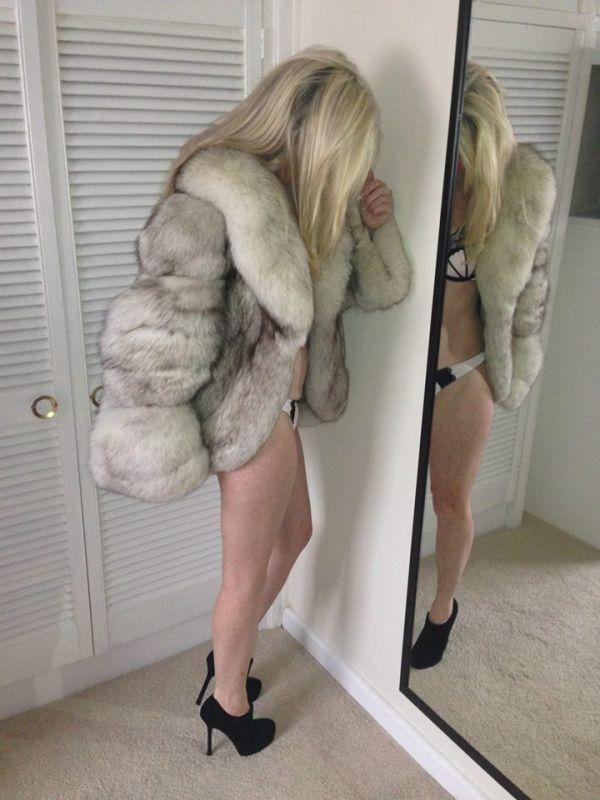 8d39381f29ca Sexy bra and panties with heels and a fox fur coat.   Sexy fur coats ...