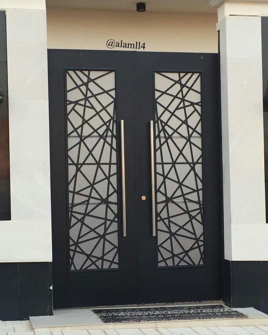 بناءا على الطلبات من متابعيني لصور ابواب داخليه وخارجية قص ليزر و خشب جمعت لكم بعض الصور وأن شاء الله تنال اعج Door Gate Design Gate Design Steel Door Design