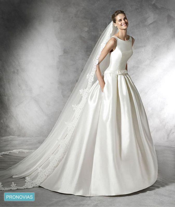 Non Traditional Wedding Dresses For Winter: Vestido De Noiva Minimalista