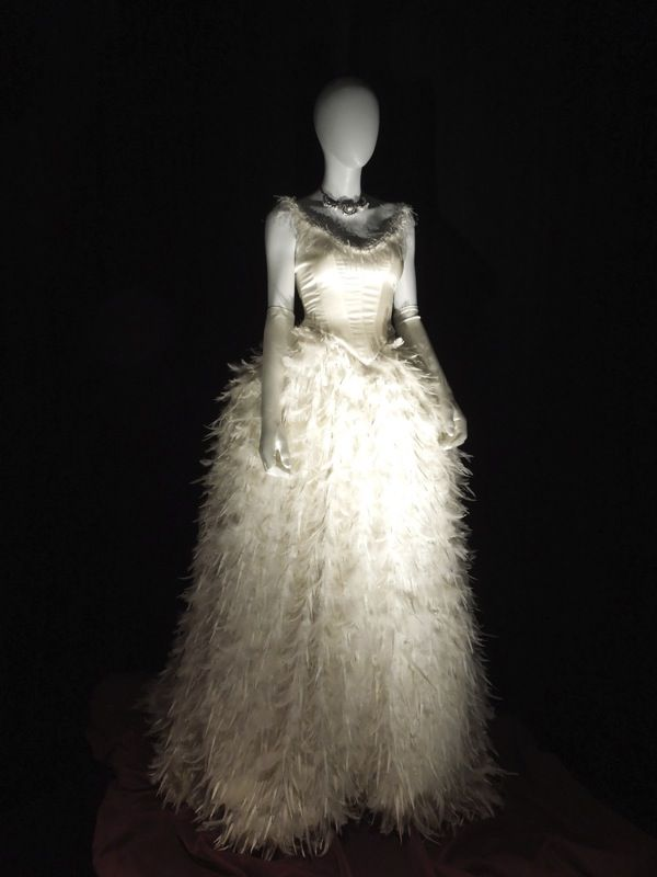 Ginnifer Goodwin Snow White Wedding Gown Once Upon A Time Fashion