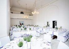 feste feiern Tegernsee, Hochzeit, Barocksaal Das Tegernsee, Dekoration im Saal