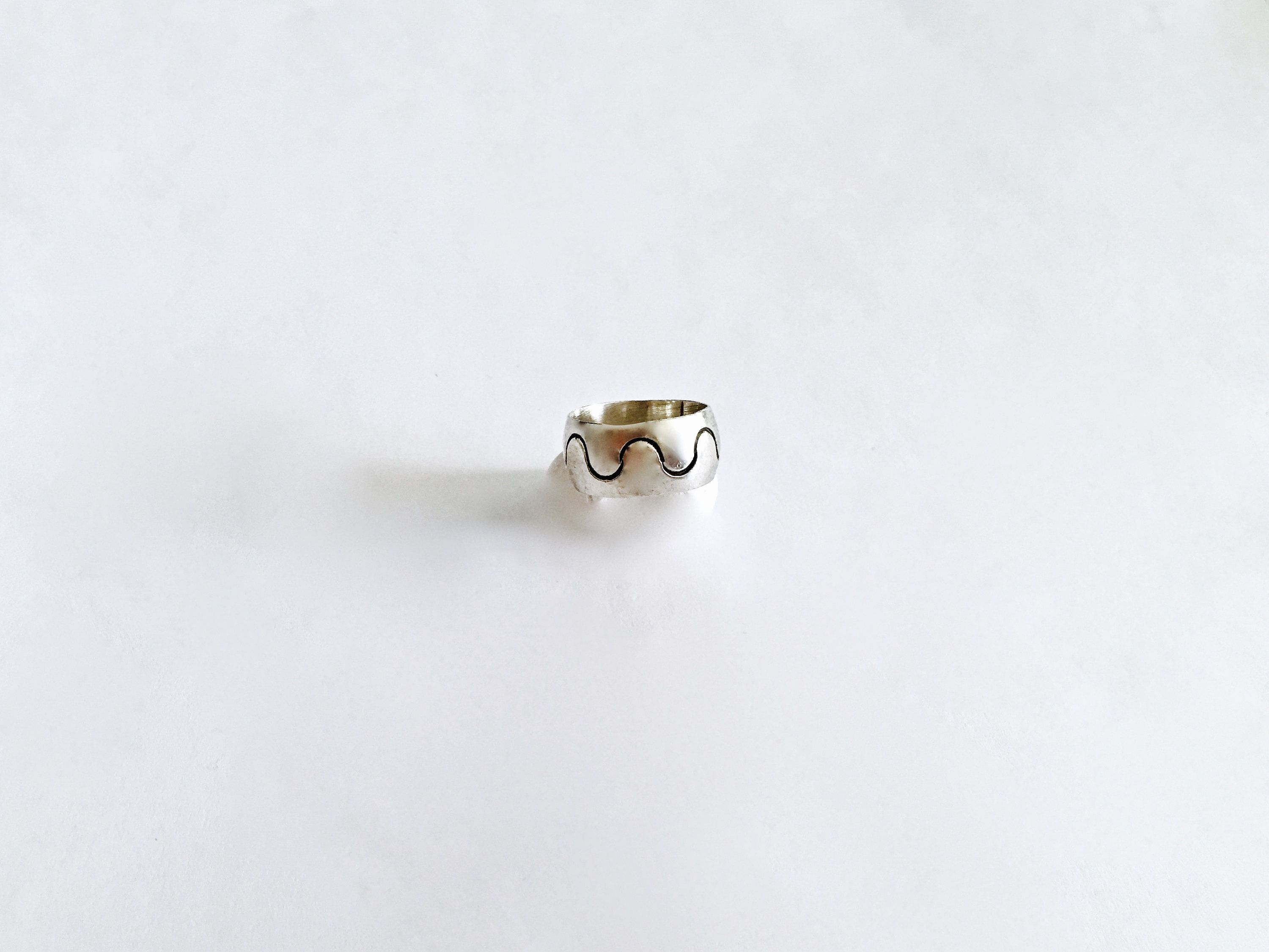 925 Sterling Silver C Z Extra Wide Unique Modernist Ring Size 8