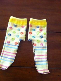 The Hungry Bookworm: Doll Clothes Short Cuts - tights from Dollar Store Knee Highs... #dollarstores