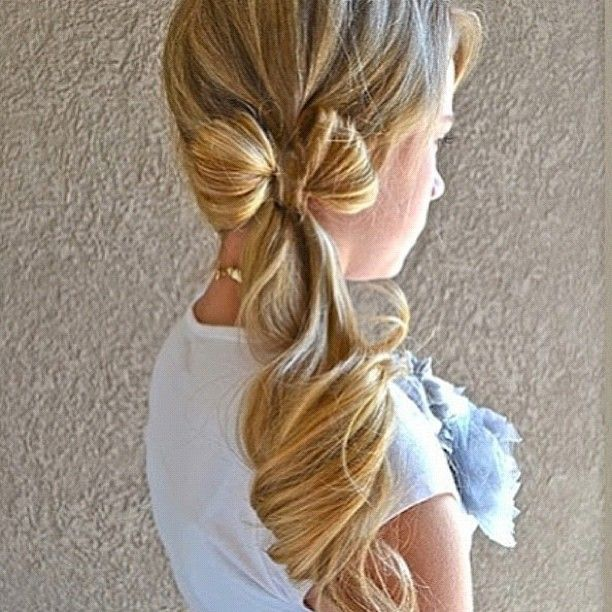Bow ponytail hair style, would be cute for a flower girl in a wedding. Keywords: #weddinghair #hairstyles #updo #weddingupdo #weddings #weddingplanning #jevel #jevelwedding #jevelweddingplanning Follow Us: www.jevelweddingplanning.com www.facebook.com/jevelweddingplanning/  www.pinterest.com/jevelwedding/ www.linkedin.com/in/jevel/ www.twitter.com/jevelwedding/ https://plus.google.com/u/0/105109573846210973606/