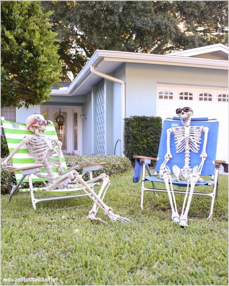 40 Best Outdoor Halloween Decorations - Page 16 of 40 holidays in