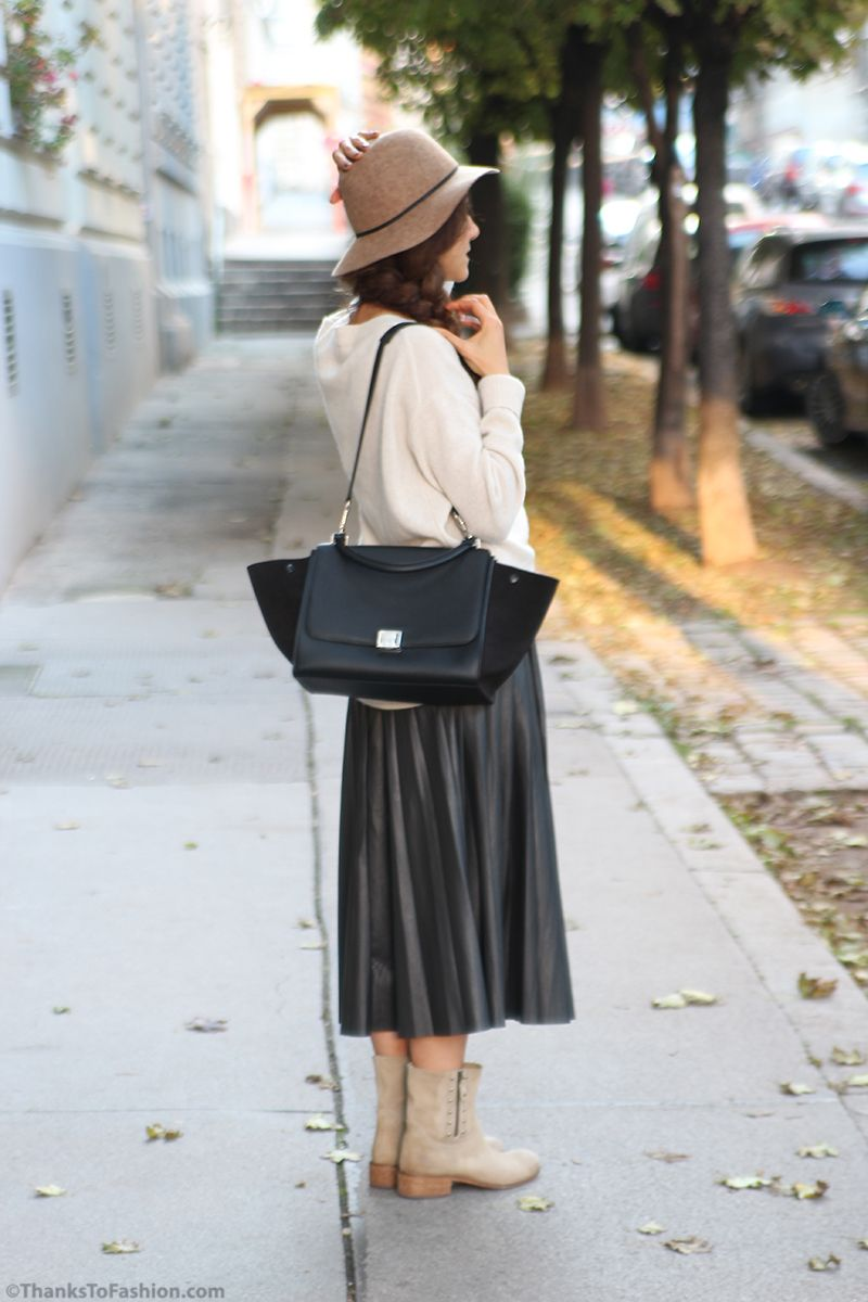 Accordion pleated skirt teamed with knitted jumper and boots #pleats #pleated #skirt #faux #leather #celine #bag #trapeze #hat #topshop #trend #guid #2014/15  http://www.thankstofashion.com/?p=4079&preview=true