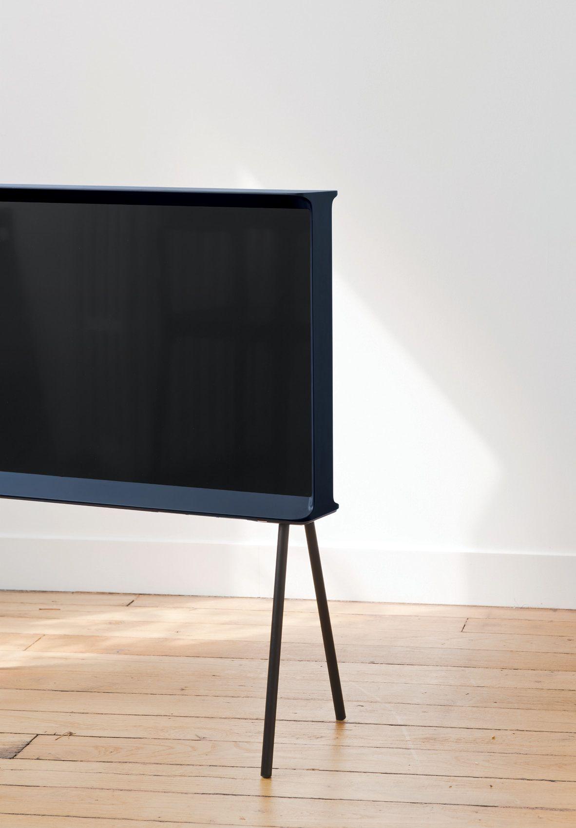 Serif TV - minimalist design - Ronan & Erwan Bouroullec