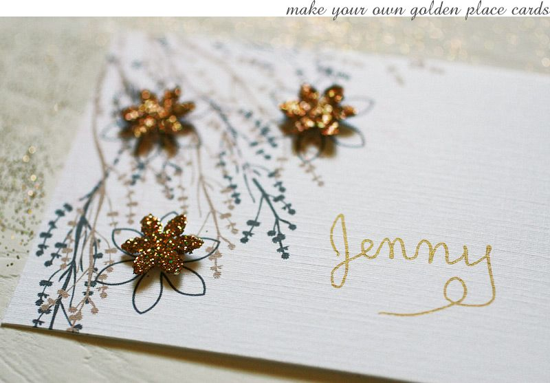 DIY golden glitter place cards + printable #flowers #gold #card #Christmas #holiday #party