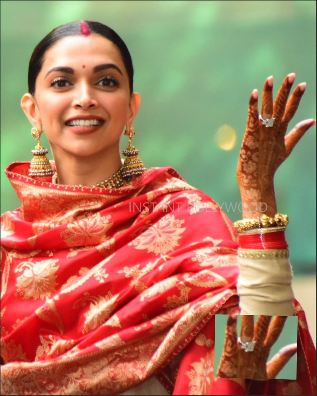 Take a closer look at Deepika's beautiful solitaire ...