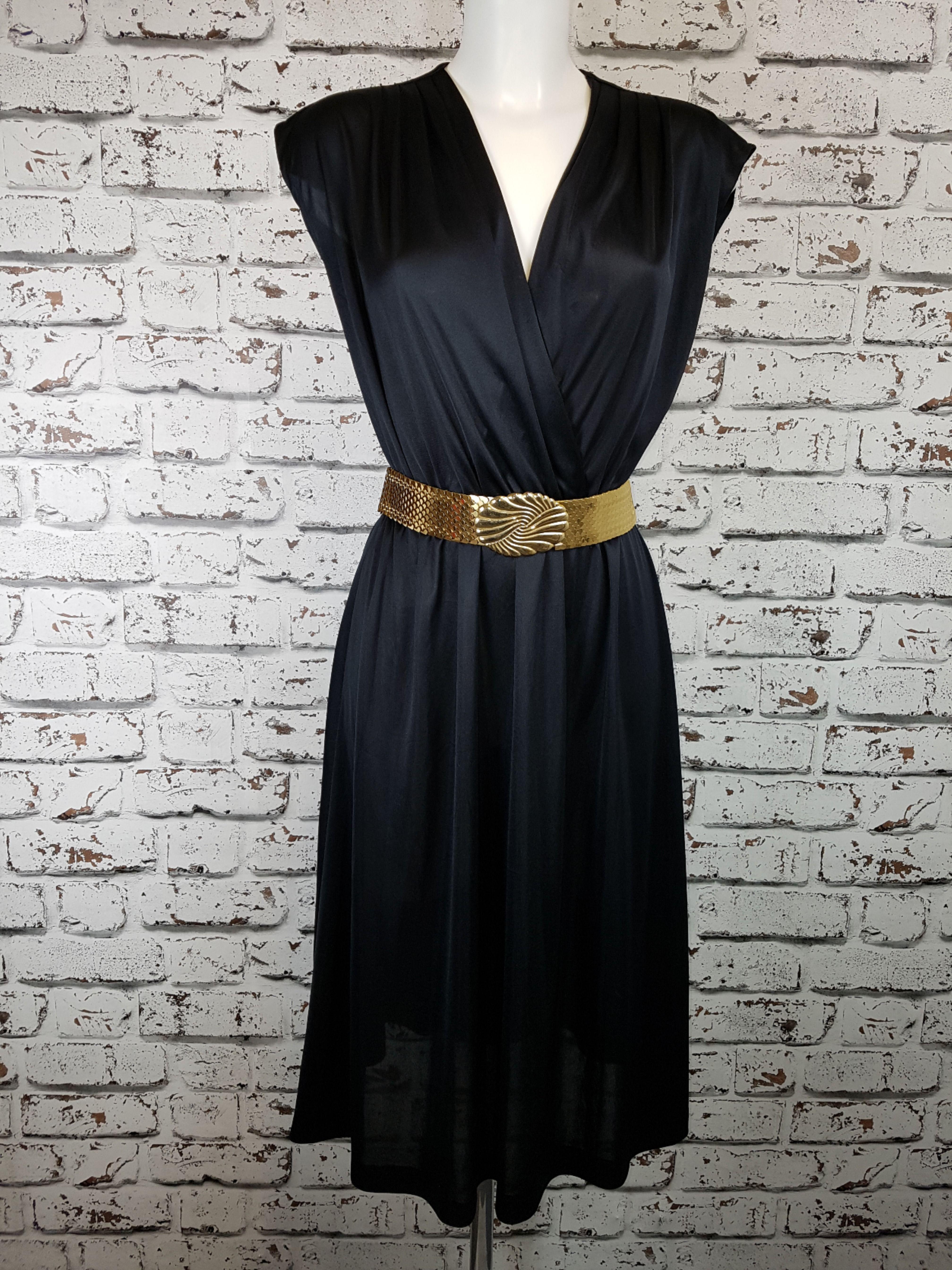 70s Classic Dress Disco Style Classic Dress Dresses Vintage Dresses [ 5376 x 4031 Pixel ]