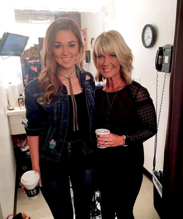 Sadie Robertson And Natalie Grant Duck Dynasty 1 Pinterest