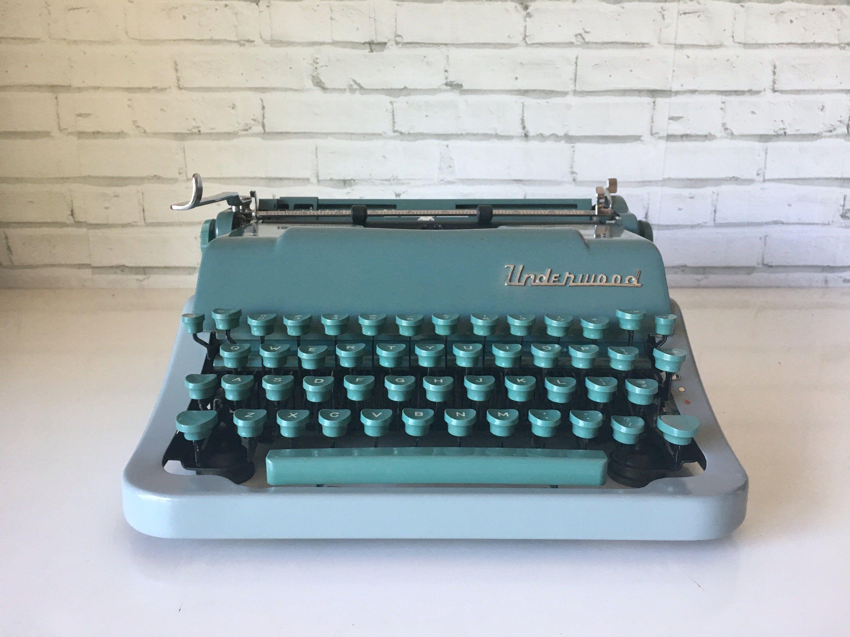 Vintage 1955 Manual Typewriter Underwood Universal Quiet Tab Etsy Typewriter Vintage Typewriters Vintage