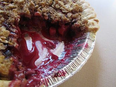 Photo of Twelve Crafts Till Christmas: feed me friday: crumble-berry pie