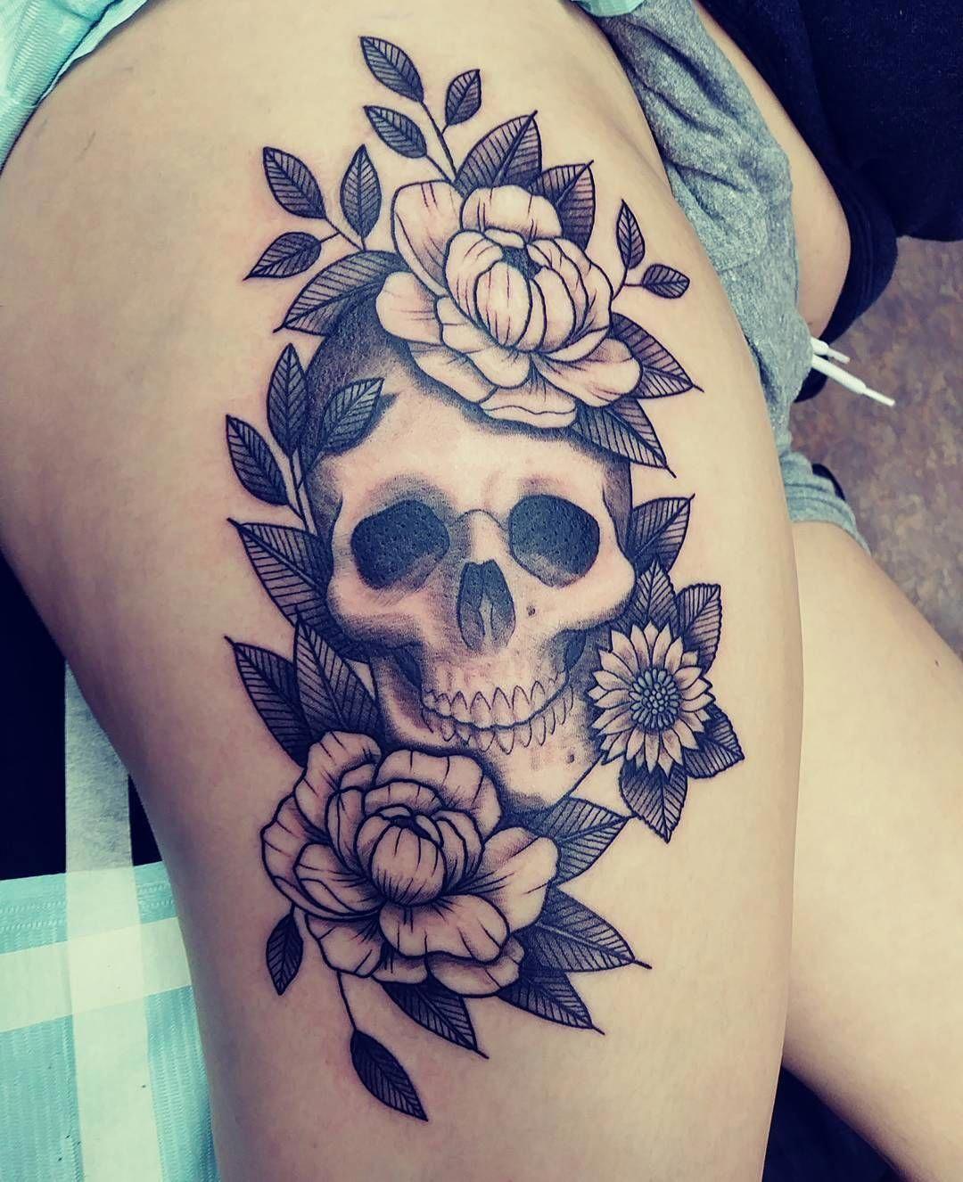 Awesome Skull With Sunflower Thigh Tattoo Design For Beautiful Women Tattoodesignsforwomen Skull Thigh Tattoos Thigh Tattoo Designs Thigh Tattoos Women