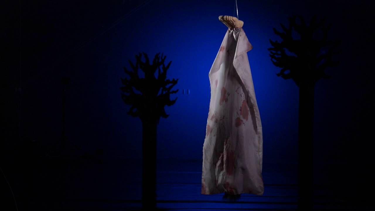 Shaking Bloody Corpse Bag | Halloween Decorations | Shindigz