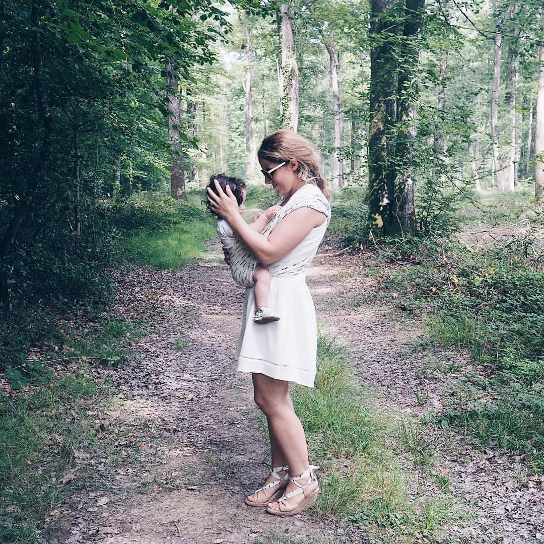 """472 mentions J'aime, 8 commentaires - ✨ La Fiancée du Panda ✨ (@fianceedupanda) sur Instagram: """"{ keep them close 💞 } Promenade en forêt 🌿 improvisée d'où ma tenue parfaitement adaptée 😂 (on a…"""""""