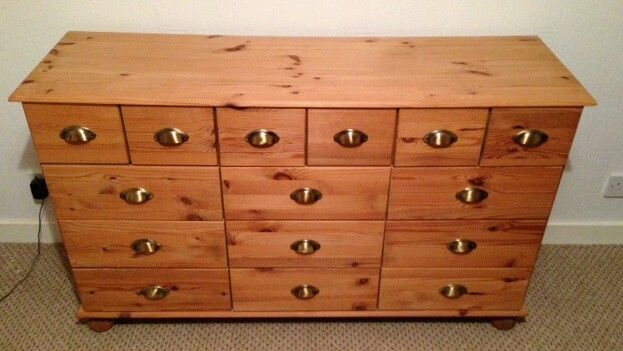 Pine 'Merchants Chest' Style Set of drawers