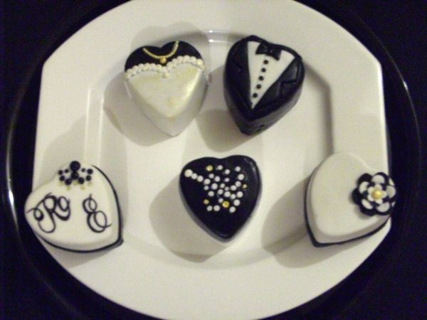 Wedding Cakelets.