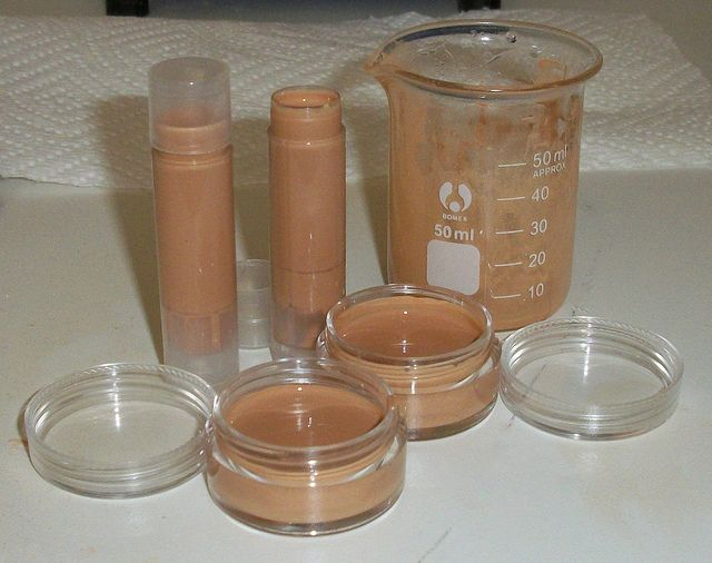 Diy concealer stick that doubles as an eyeshadow base diy diy cosmetics concealer stick i would use coconut oil with a bit of vitamin e oil healing nurturing and add essential oils to help with any specific solutioingenieria Images