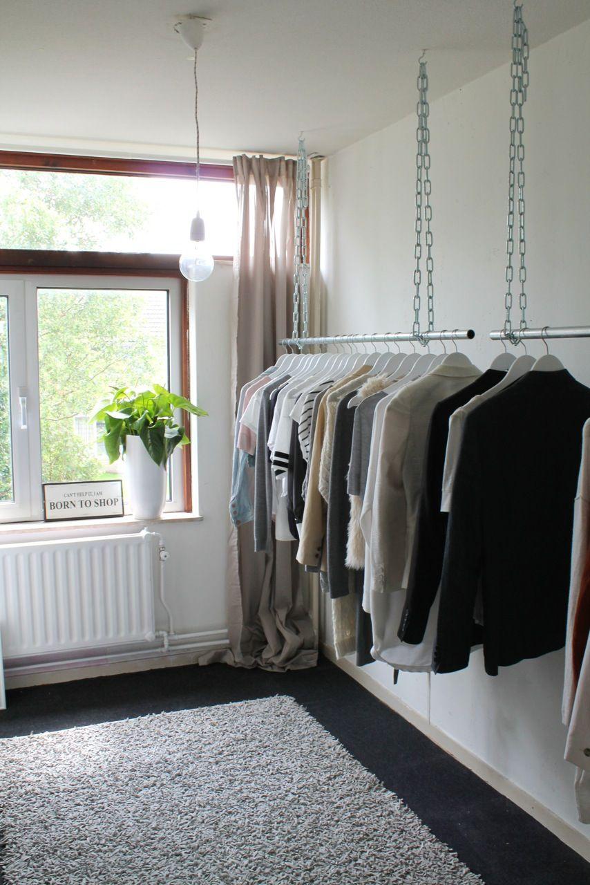 kledingrek aan het plafond - slaapkamer | Pinterest - Plafond ...
