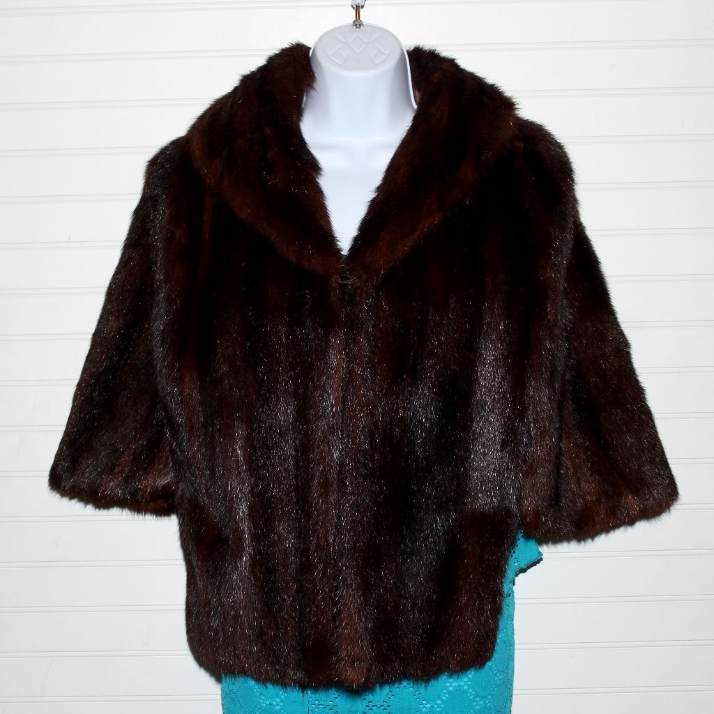 Excellent Condition Vintage Mahogony Mink Cape