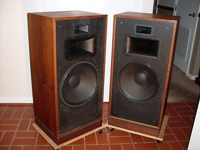 vintage klipsch bookshelf speakers. klipsch chorus ii in walnut oil -- excellent condition pair, amazing sound vintage bookshelf speakers