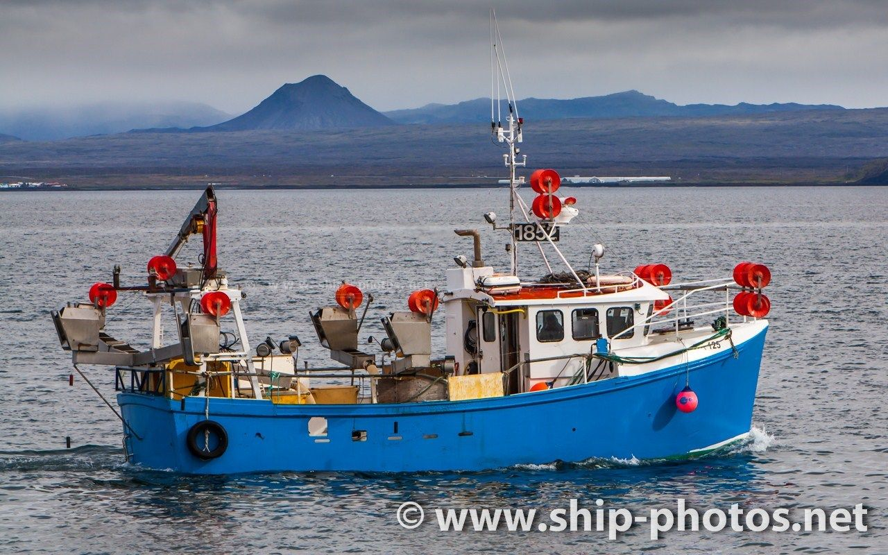 Commercial Fishing Boat 1852 Agnar Ba 125 With Home Port In
