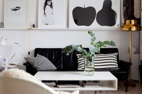 Beautiful black and white décor in a small apartment Small