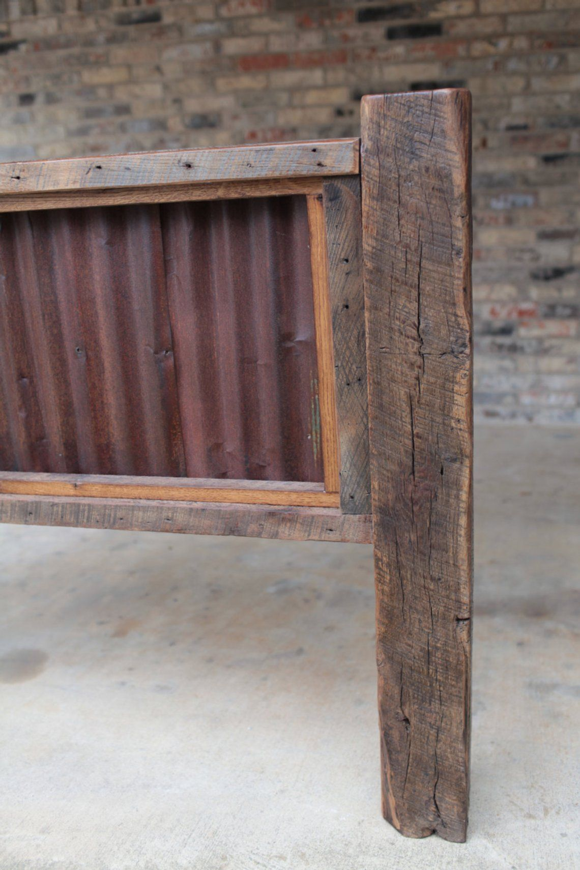 King Or Queen Headboard Reclaimed Barn Wood And Rusty Metal Farmhouse Style Furniture Free Shipping In Usa Farmhouse Style Furniture Reclaimed Barn Wood Antique Barn Wood