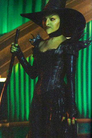 Mila Kunis En Oz Galería De Fotos 6 De 12 Glamour Mexico Disfraces Villanos Disfraces Halloween Mujer Mago De Oz