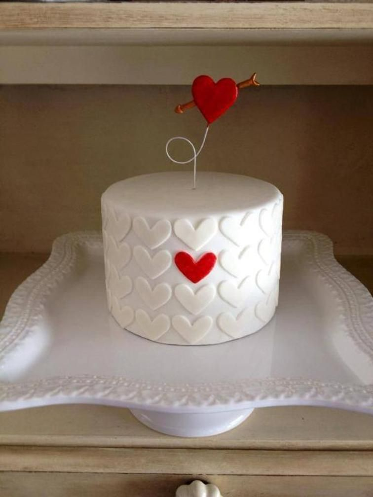 Valentine Cake Decorations Design : Valentine s Heart Cake Craftsy ????? Pinterest ...