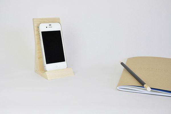 Support pour téléphone portable en bois massif kolmi #téléphone