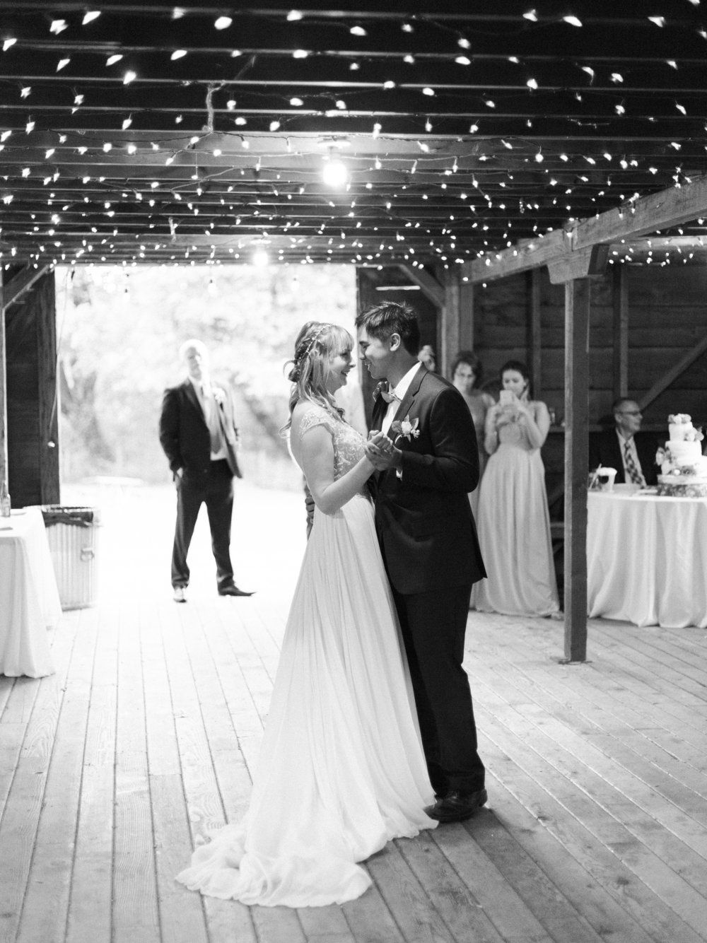 Gorgeous English style wedding at Dorris Ranch in Springfield Oregon ...