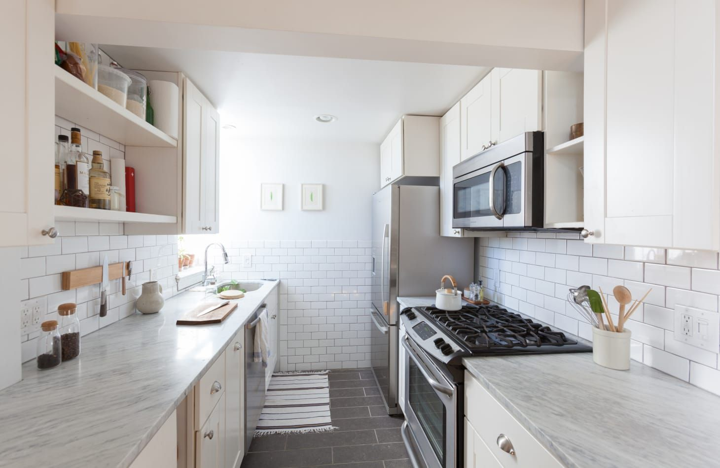 20 stunning examples that show how to make a galley kitchen work galley kitchen design galley on kitchen remodel galley style id=98015