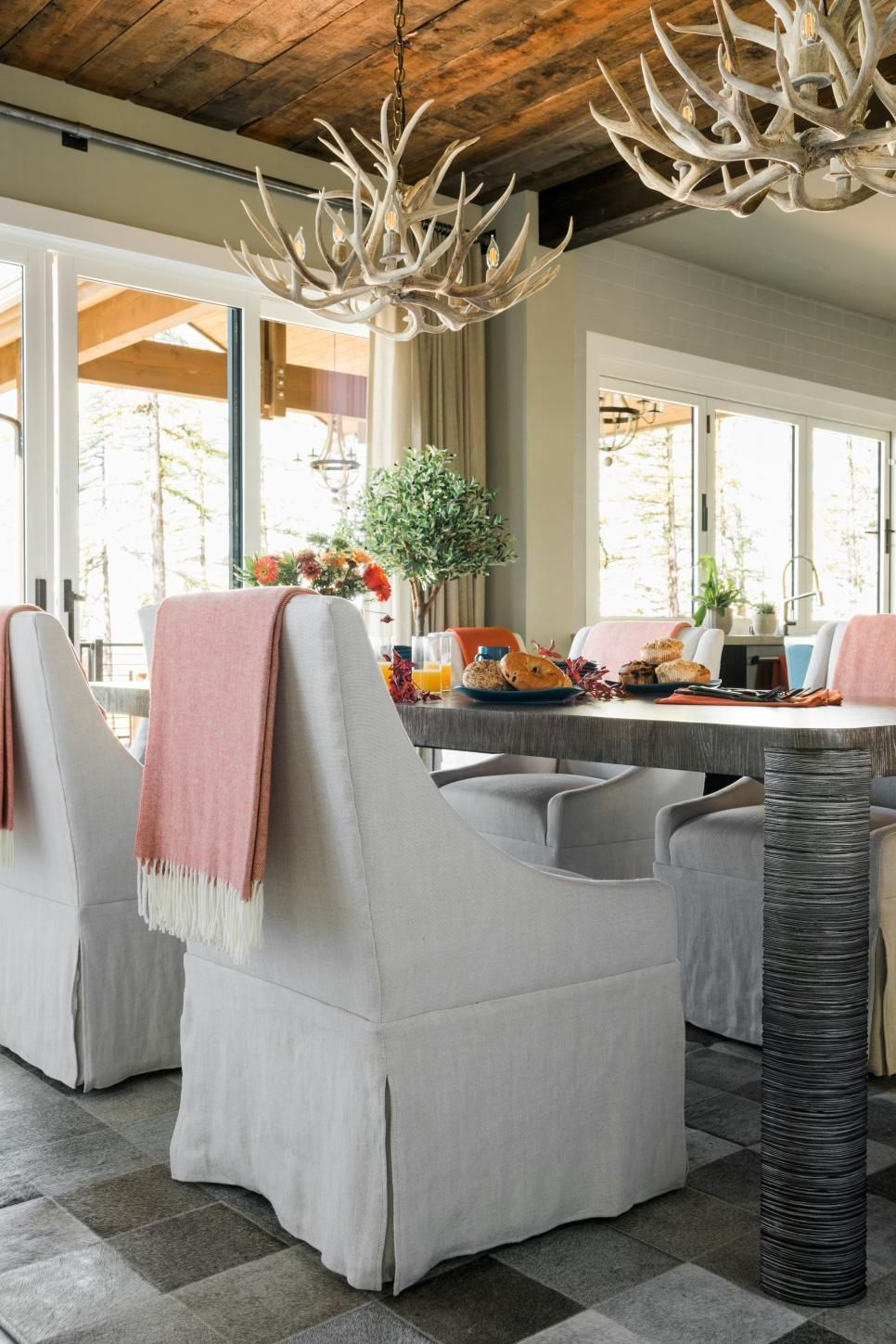 Modern Mountain Holidays At Hgtv Dream Home 2019: HGTV Dream Home 2019: Dining Room Pictures