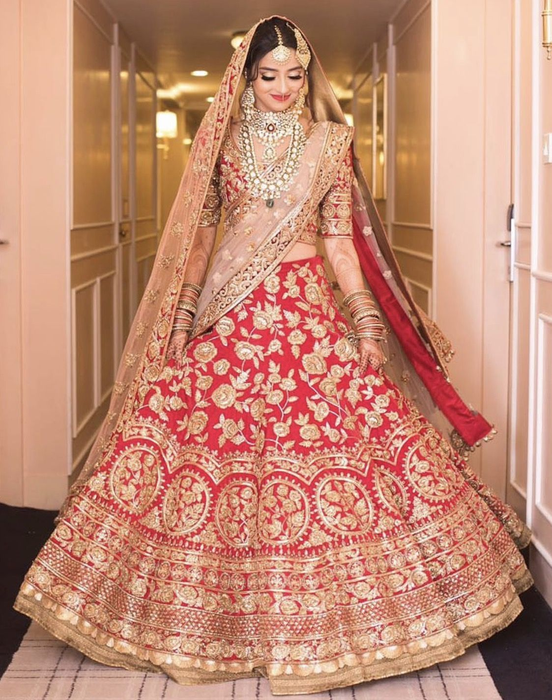 Pin von ༺AfifA༻❀༻f༺❀ auf BRIDAL -RED & PINKS Desi Bride ...