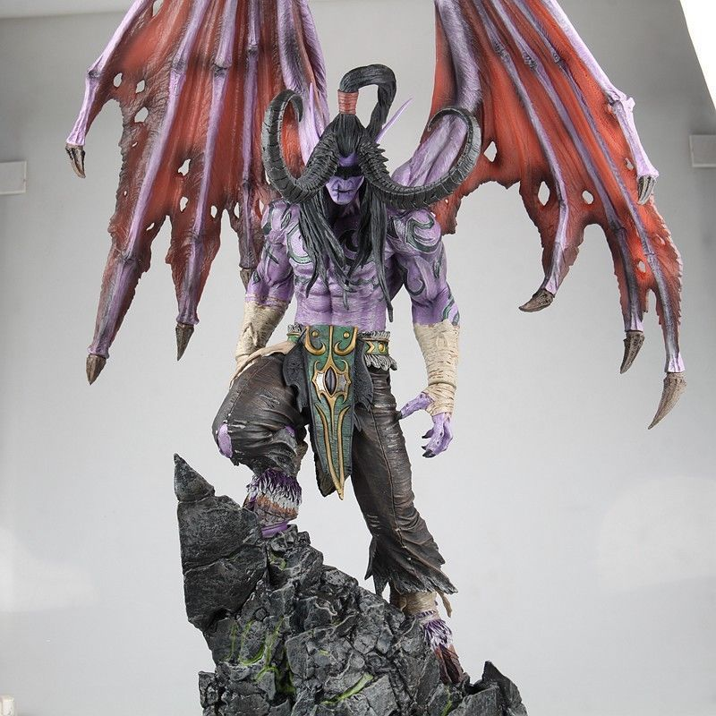 WOW World of Warcraft Illidan Action Figure Statue Model Gift Blizzard PVC Resin