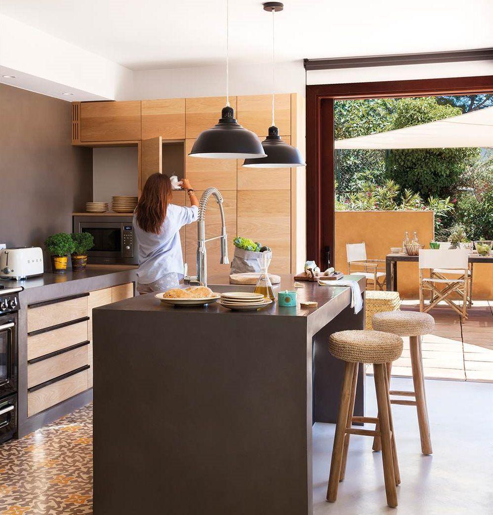 Súbele los colores a tu cocina! | Microcemento, Muebles de madera y Gris